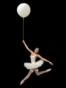 意大利零重力舞蹈团《神曲》的图片