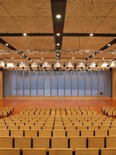 """2015大剧院舞蹈节:""""中国梦""""青年舞蹈编导创作扶持与成果展演的图片"""